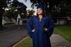 Paola Valdez Graduacion Exterior 18 Editadas JL-6684