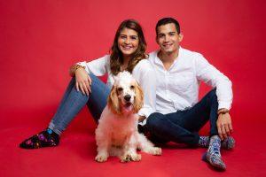 Maria Luck y Diego Estudio Mascota Portada JL-9831
